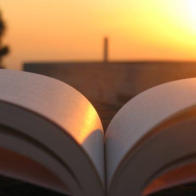 إقرأ كتاباً