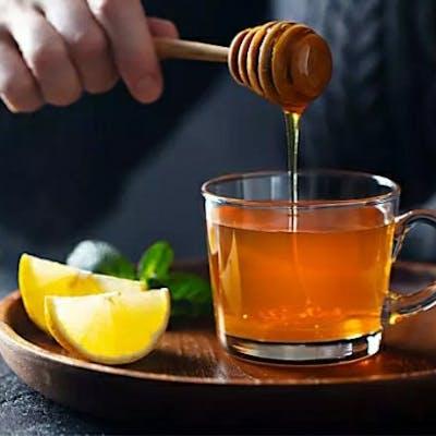 العسل مفيد مع الماء الفاتر على الريق